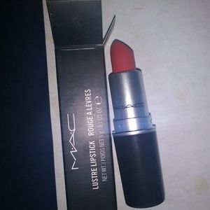 MAC LIPSTICK 08 RELENTLESSLY RED